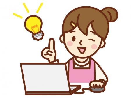 パソコンをして閃いた主婦のイラスト