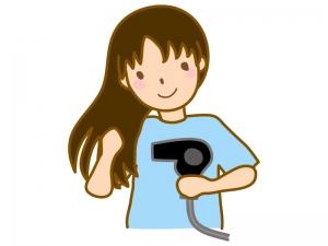 ドライヤーで髪を乾かしている女性のイラスト